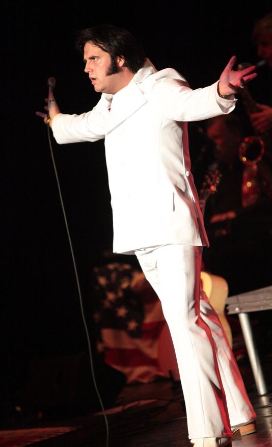 © Eireann Elvis - Irelands Number 1 Elvis Tribute Act -  Ciarán Houlihan